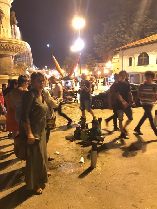 Üsküp Türk çarşısının fenomen çocukları 2