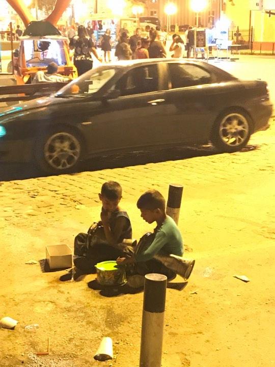 Üsküp Türk çarşısının fenomen çocukları 3