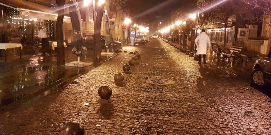 Kuzey Makedonya tarihinin en sessiz günleri : Üsküp Şehir sakinlerini üzen görüntüler