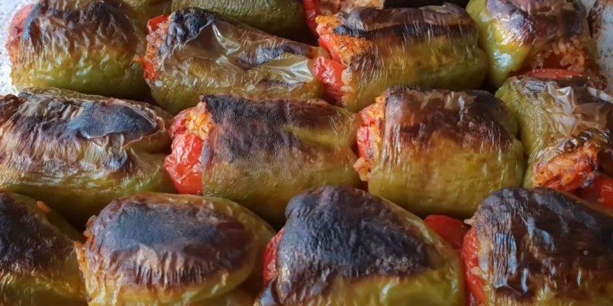 Bugün ne pişirsem diyenlere dağılmayan püf noktasıyla Zeytinyağlı Dolma Biber Tarifi