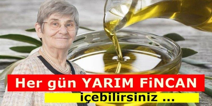Prof Dr Canan Karatay'ın vazgeçilmezi olan meyve suyu...